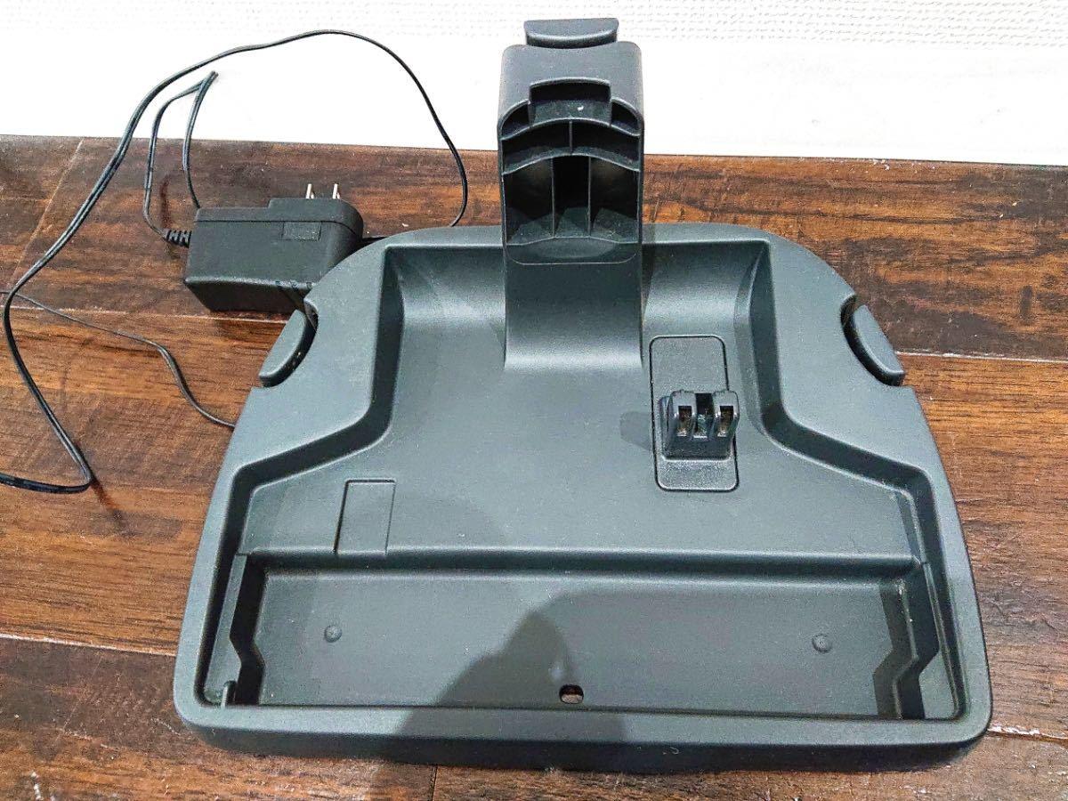 ∀ Panasonic パナソニック サイクロン式 コードレススティッククリーナー ハンディタイプ MC-BU1JE4-KW 充電式掃除機 白 2017年製_画像10