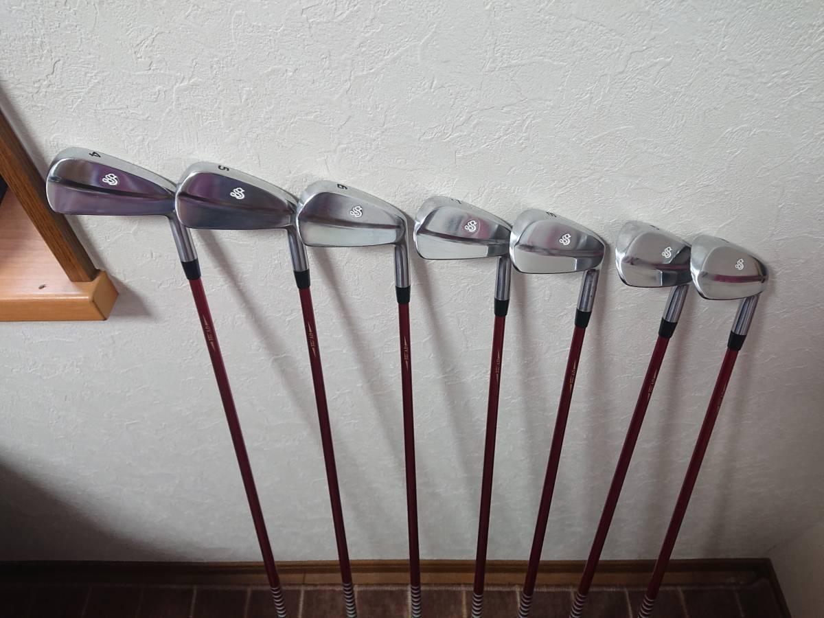 スクラッチゴルフ SB1 FORGED 4-P 7本 ツアーAD 95X ロマロ 52ウェッジ付き 新溝_画像2