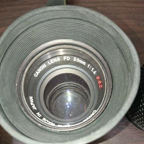 ☆Canon キヤノン A-1 FD50mm F1.4 S.S.C MF一眼レフカメラ 標準レンズ /100mm1:2.8 S.S.C/FD 35-105mm 1:3.5-4.5/レンズ3点付き訳あり_画像3