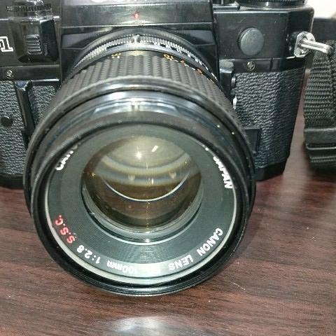 ☆Canon キヤノン A-1 FD50mm F1.4 S.S.C MF一眼レフカメラ 標準レンズ /100mm1:2.8 S.S.C/FD 35-105mm 1:3.5-4.5/レンズ3点付き訳あり_画像2