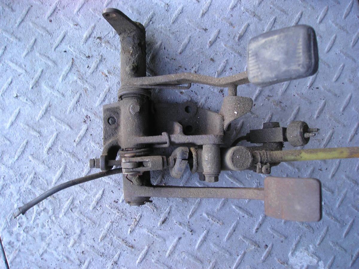 3輪ミゼット MP5型 フートブレーキペタル クラッチペタル ジャンク品
