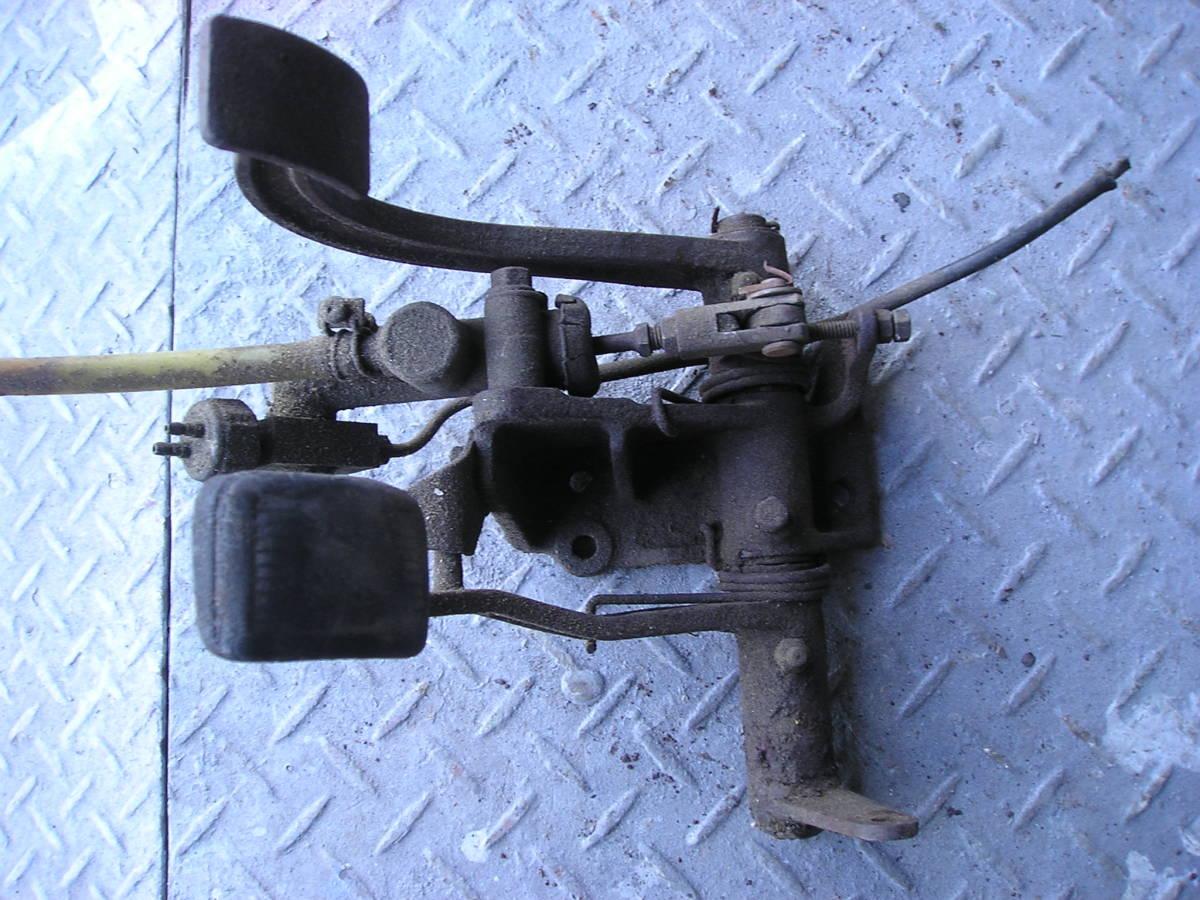 3輪ミゼット MP5型 フートブレーキペタル クラッチペタル ジャンク品_画像6