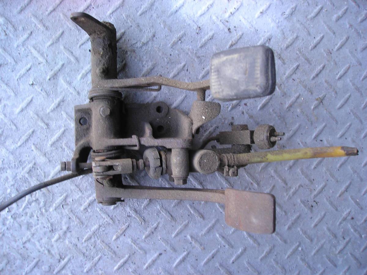 3輪ミゼット MP5型 フートブレーキペタル クラッチペタル ジャンク品_画像9