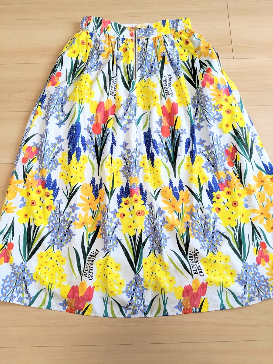 ブルーレーベル クレストブリッジ BLUE LABEL CRESTBRIDGE バックジップ花柄ロングスカート 38(M) マルチカラー