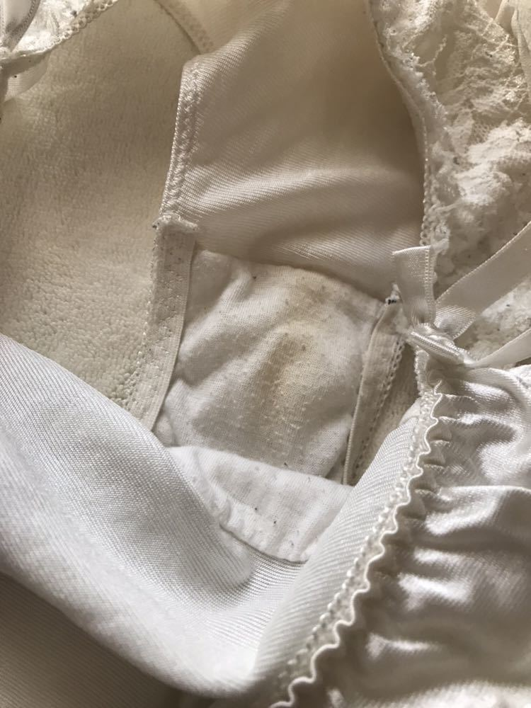 妹:舞衣 JK タンス整理品 サテン生地 エメフィール 純白ショーツ つるつる 光沢 下着 パンツ_画像3