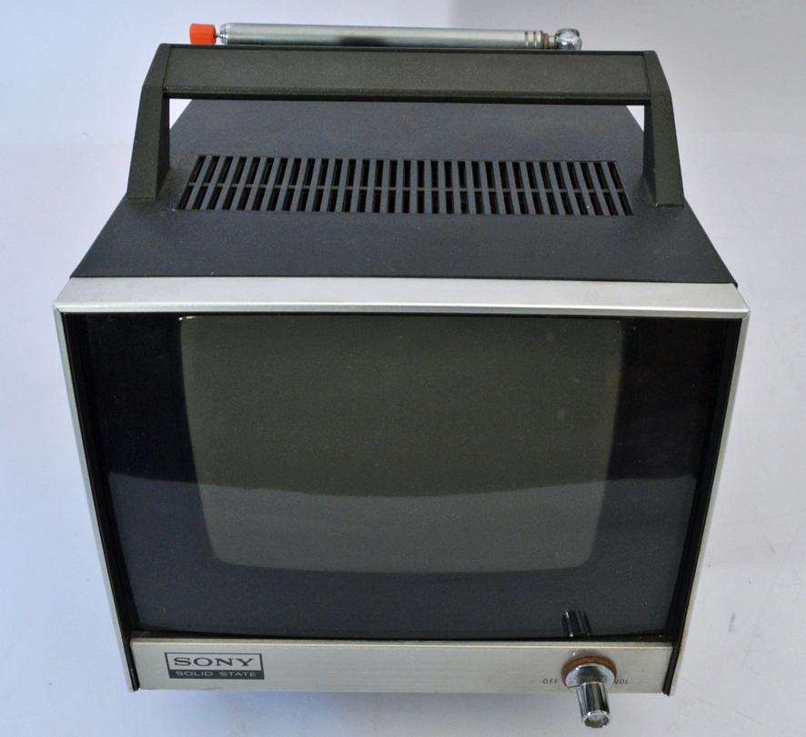 ys261 ジャンク品 SONY ソニー トランジスタテレビ ステイタス700 ソリッドステートTV 白黒テレビ 7-76 ш_画像2