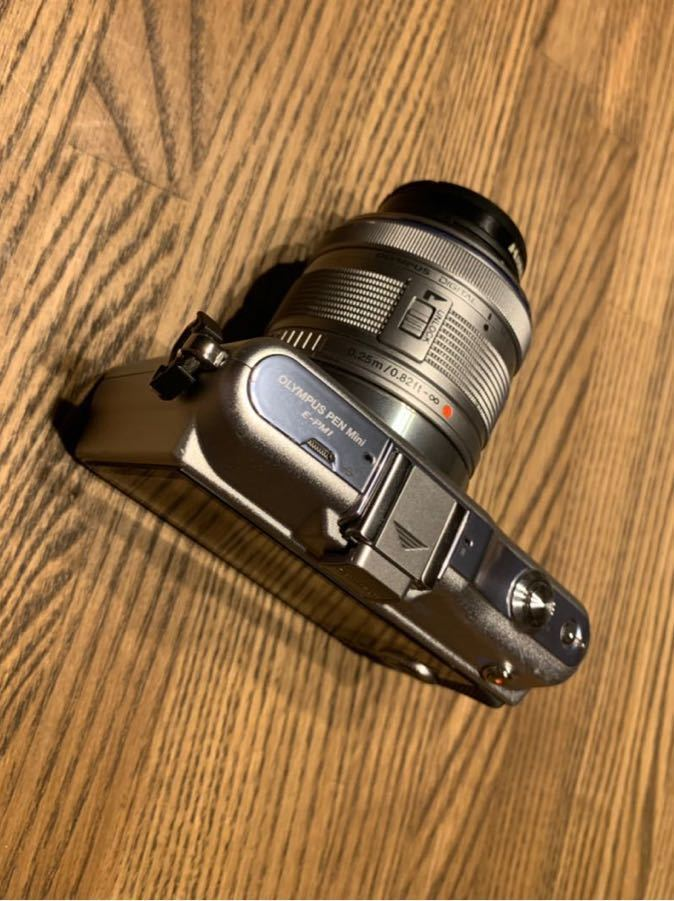 ミラーレス一眼 OLYMPUS PEN mini E-PM1 レンズキット シルバー おまけたくさん。_画像6