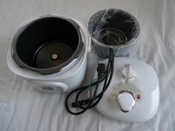 ☆RELICA 電気圧力鍋(RLC-PC02)未使用_画像2