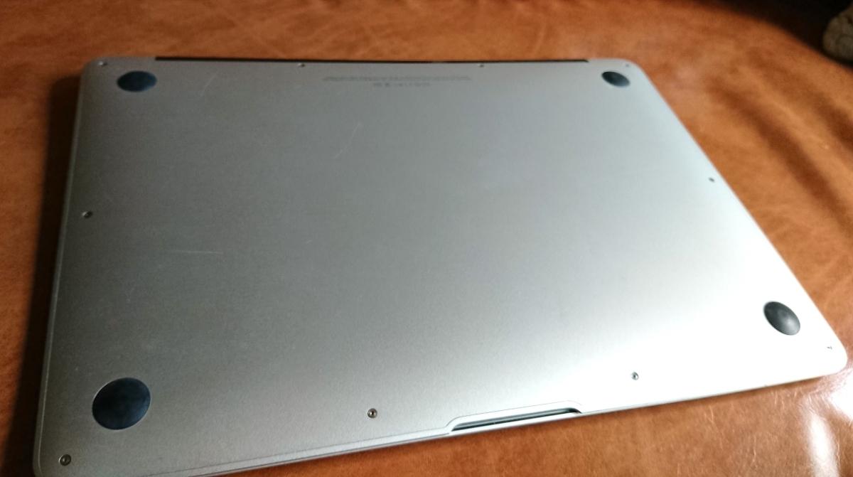 MacBook Air 13インチ【Mid 2012】US(英語)キーボード/i5 1.8GHz/メモリ 8GB/SSD 128GB/新品バッテリー/HD Graphics 4000_画像4