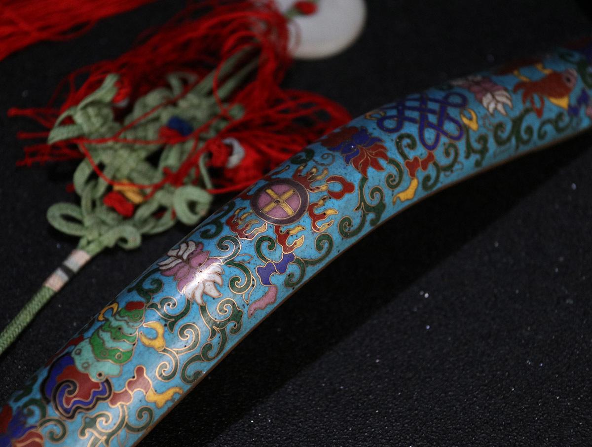 1 七宝焼 嵌和田玉 「御題詩・如意」の束 全長120 cm長さ44 cm幅11.5 cm重さ816.0 g _画像9
