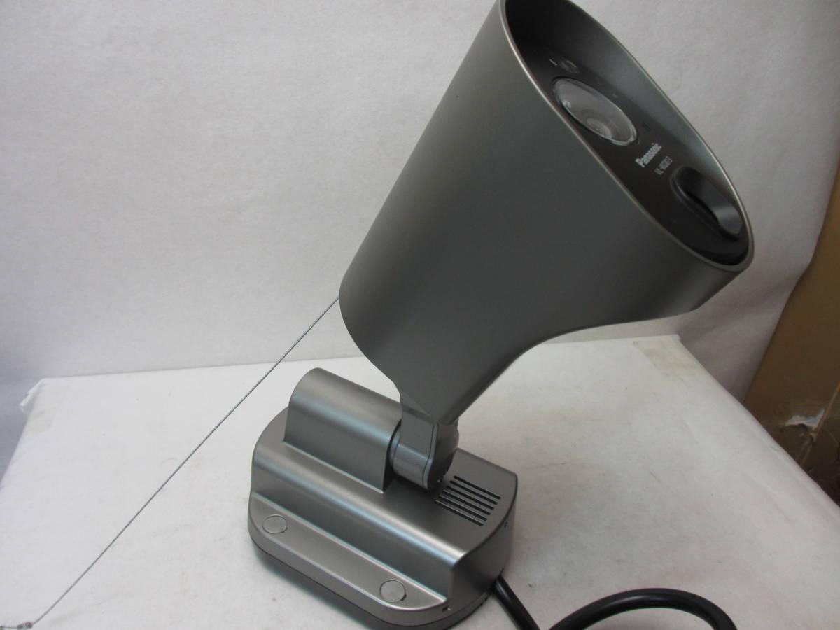 N☆Panasonic☆センサーライト付屋外ワイヤレスカメラ VL-WD813K・ダミー防犯カメラ 防雨仕様 屋内/屋外用 2点セット【中古品】_画像2