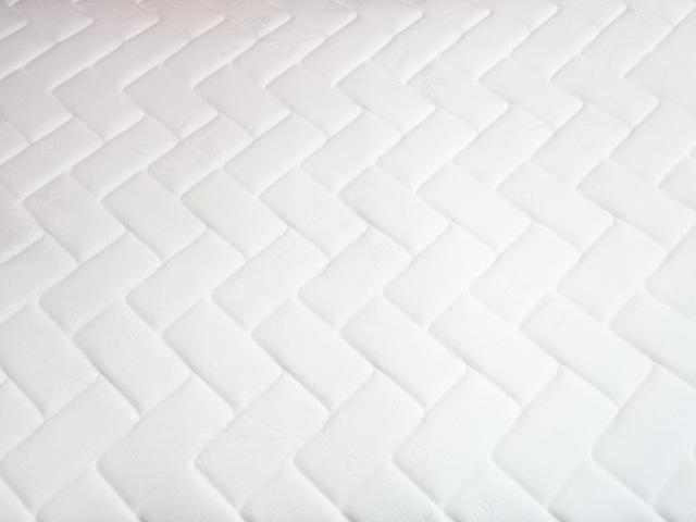 送料無料 IDC大塚家具 ポケットコイル セミダブルサイズマットレス 展示品_画像5