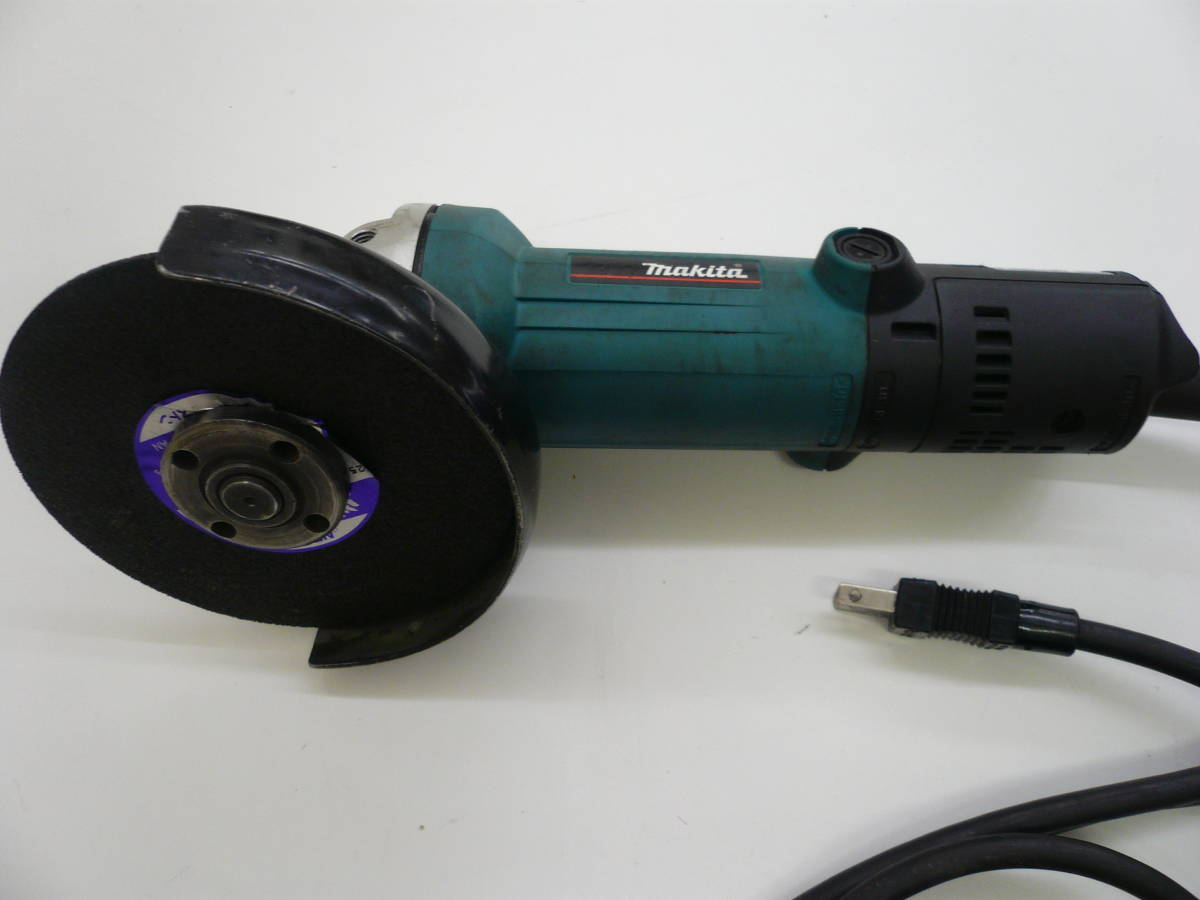makita マキタ 125mm ディスクグラインダ モデル 9535B 中古品 簡易動作確認済み 激安 爆安 1円スタート _画像3