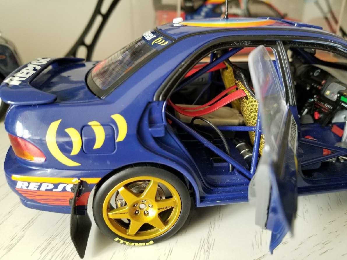 人気合金模型車ミニカーコレクションAUTOART 1:18スバルIMPREZA WRC 1997スケールシルバー新品_画像6
