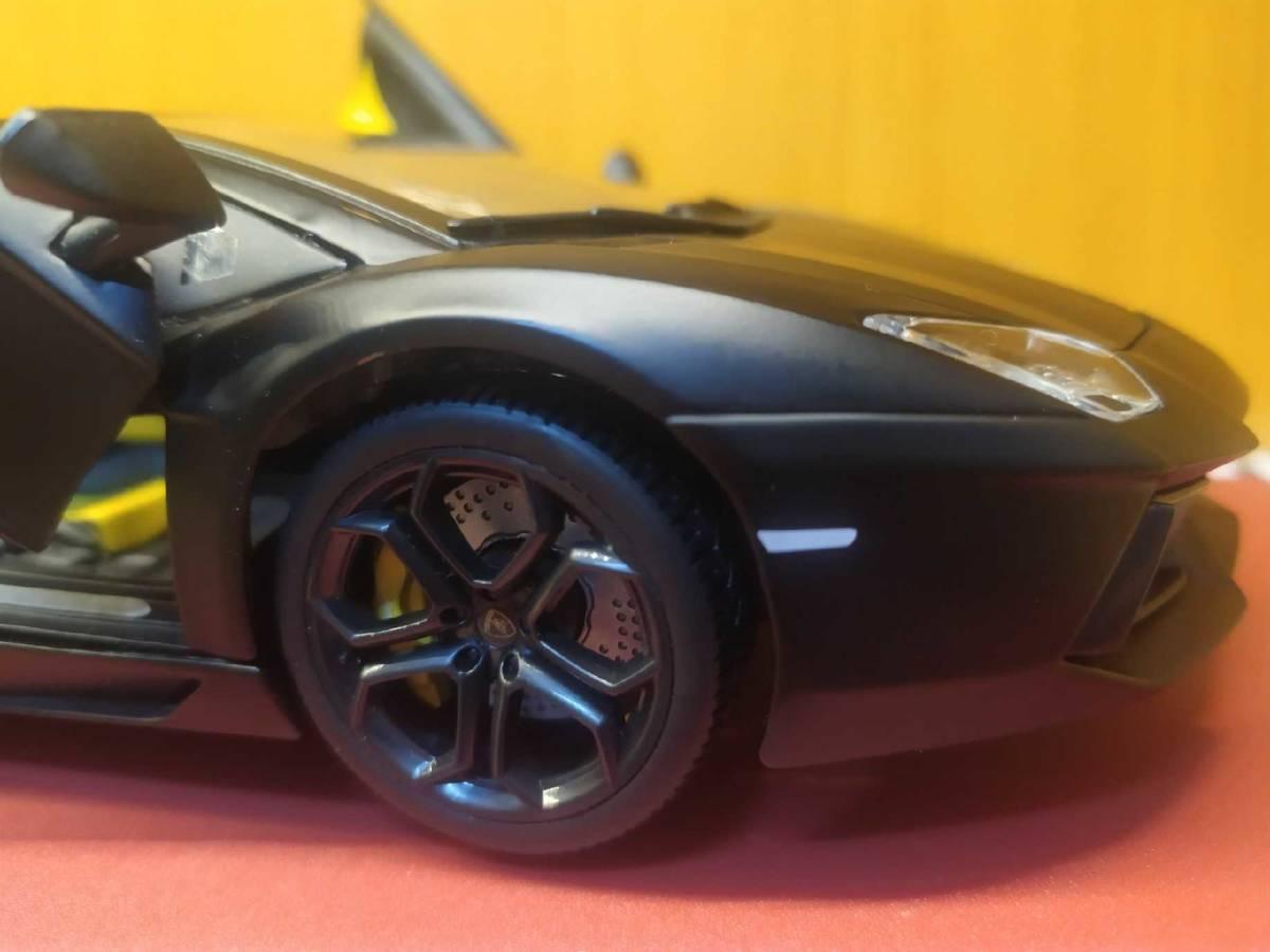 人気合金模型車ミニカーコレクションランボルギーニ超走エッ文塔多LP 700 1:18スケールシルバー新品_画像7