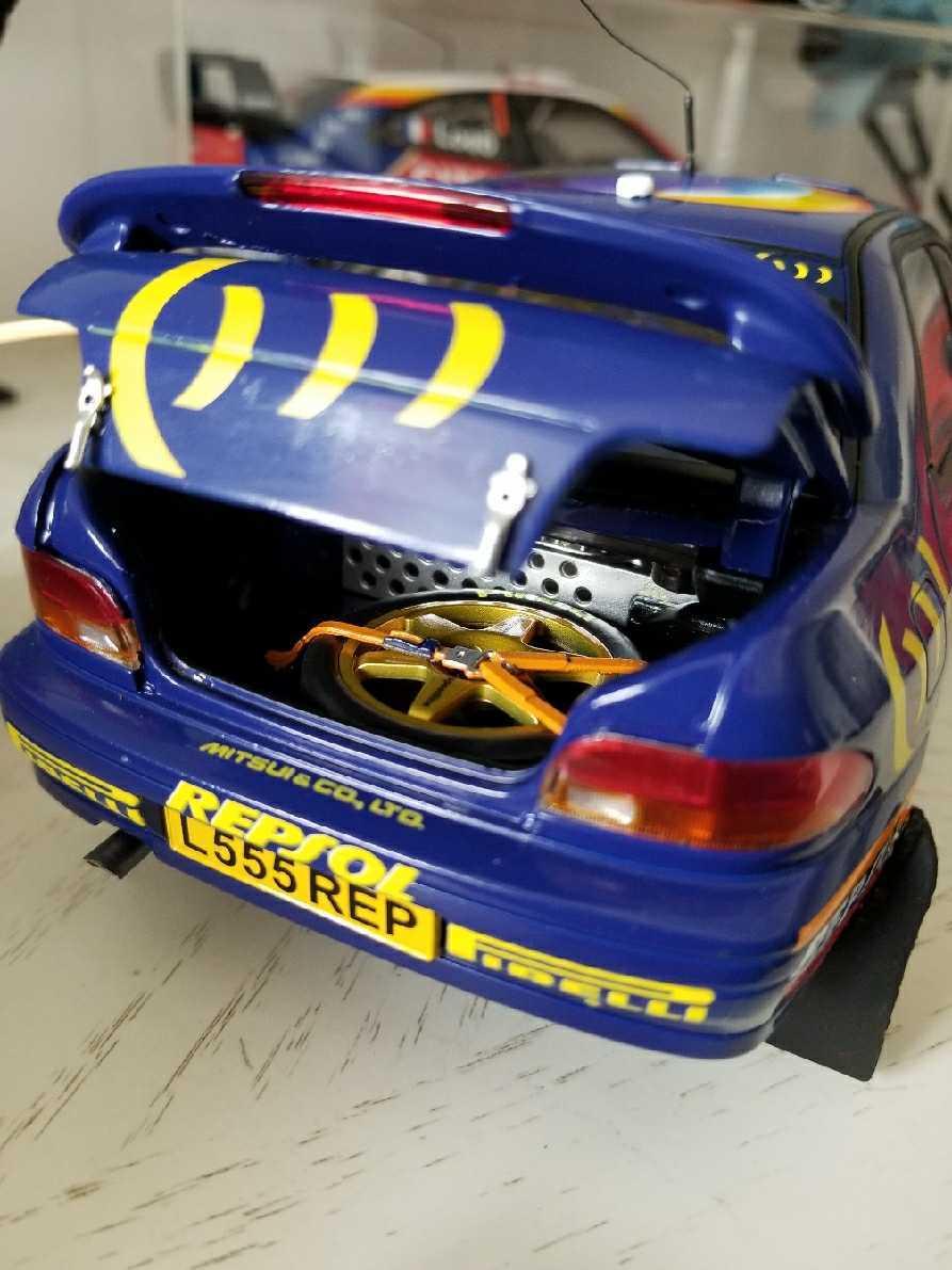 人気合金模型車ミニカーコレクションAUTOART 1:18スバルIMPREZA WRC 1997スケールシルバー新品_画像4