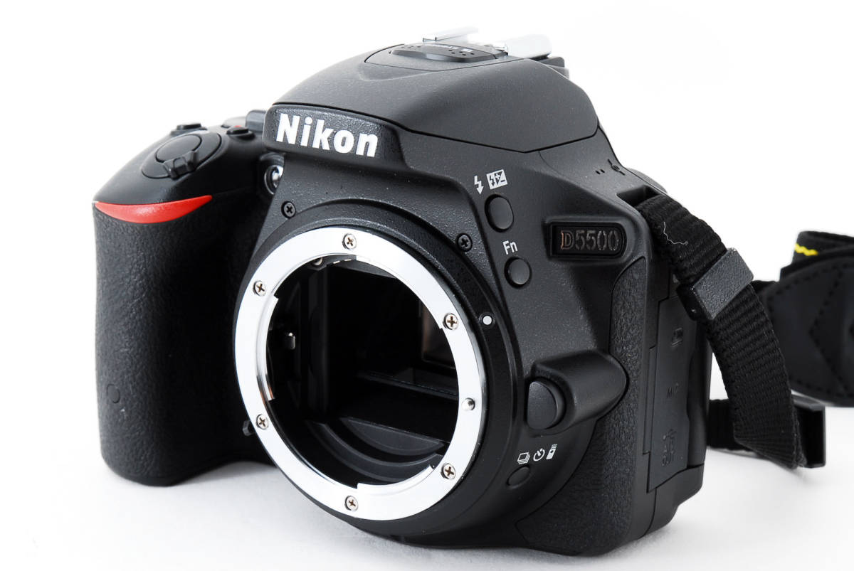 ●超美品●ニコン Nikon D5500 ボディ 純正カメラバッグ付き - 4034_画像2
