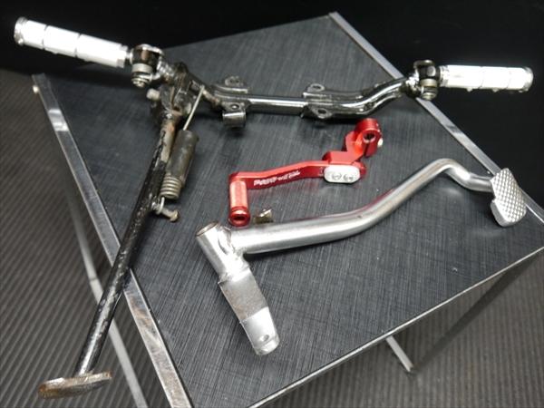 モンキー 5Lより 社外POSHアルミ ステップと純正ステップステー ブレーキ ペダル とPOSHシフトペダルSET AB27Gクラ