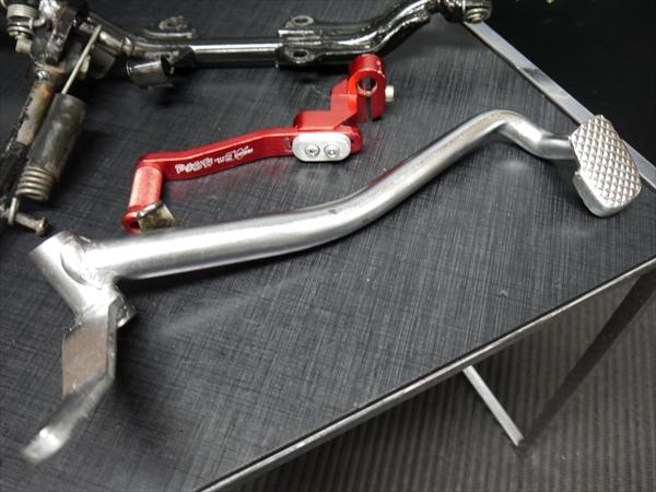 モンキー 5Lより 社外POSHアルミ ステップと純正ステップステー ブレーキ ペダル とPOSHシフトペダルSET AB27Gクラ_画像2