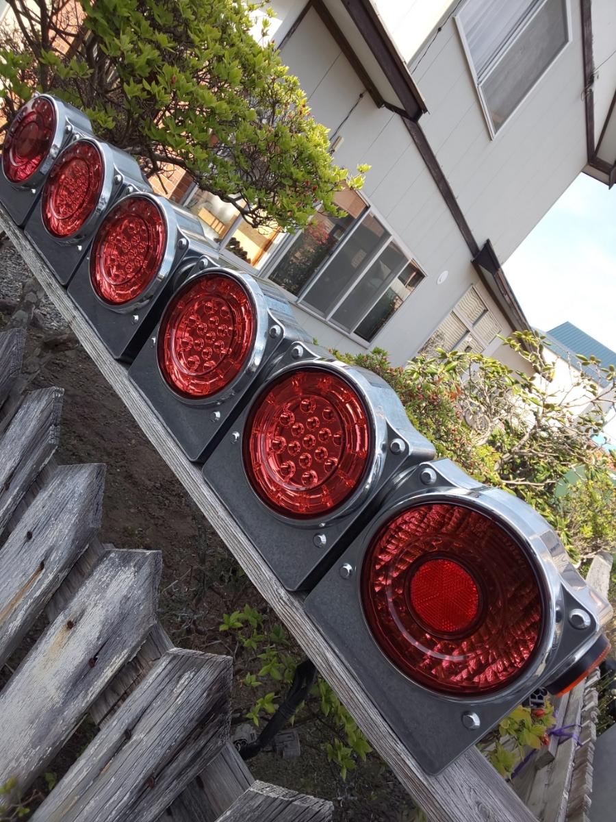 ☆いすゞ純正 丸型 3連LEDテールランプ ICL製 左右セット_画像2