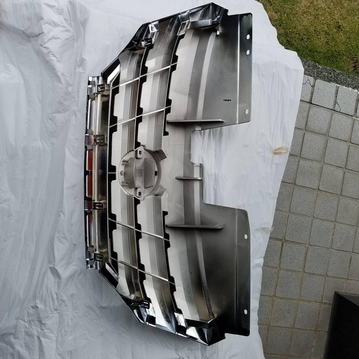 セレナC26系フロントグリル新品!_画像2