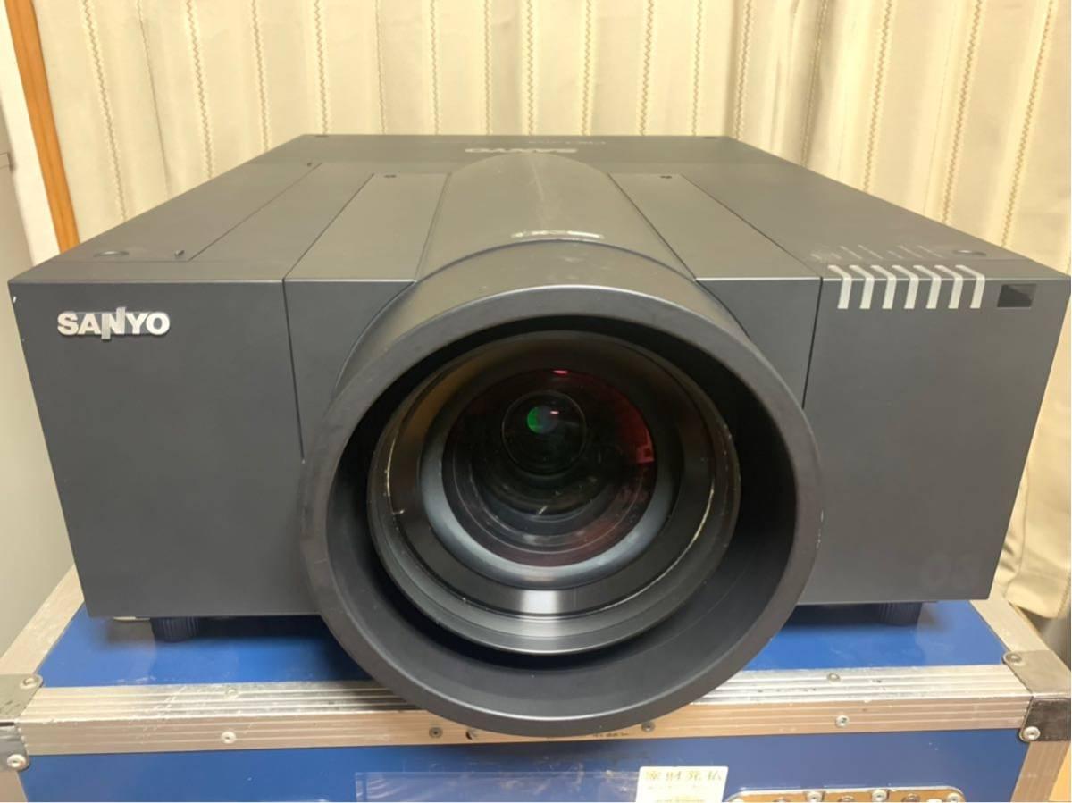 9000ルーメン プロジェクター SANYO LP-XF70 固定単焦点レンズ付き