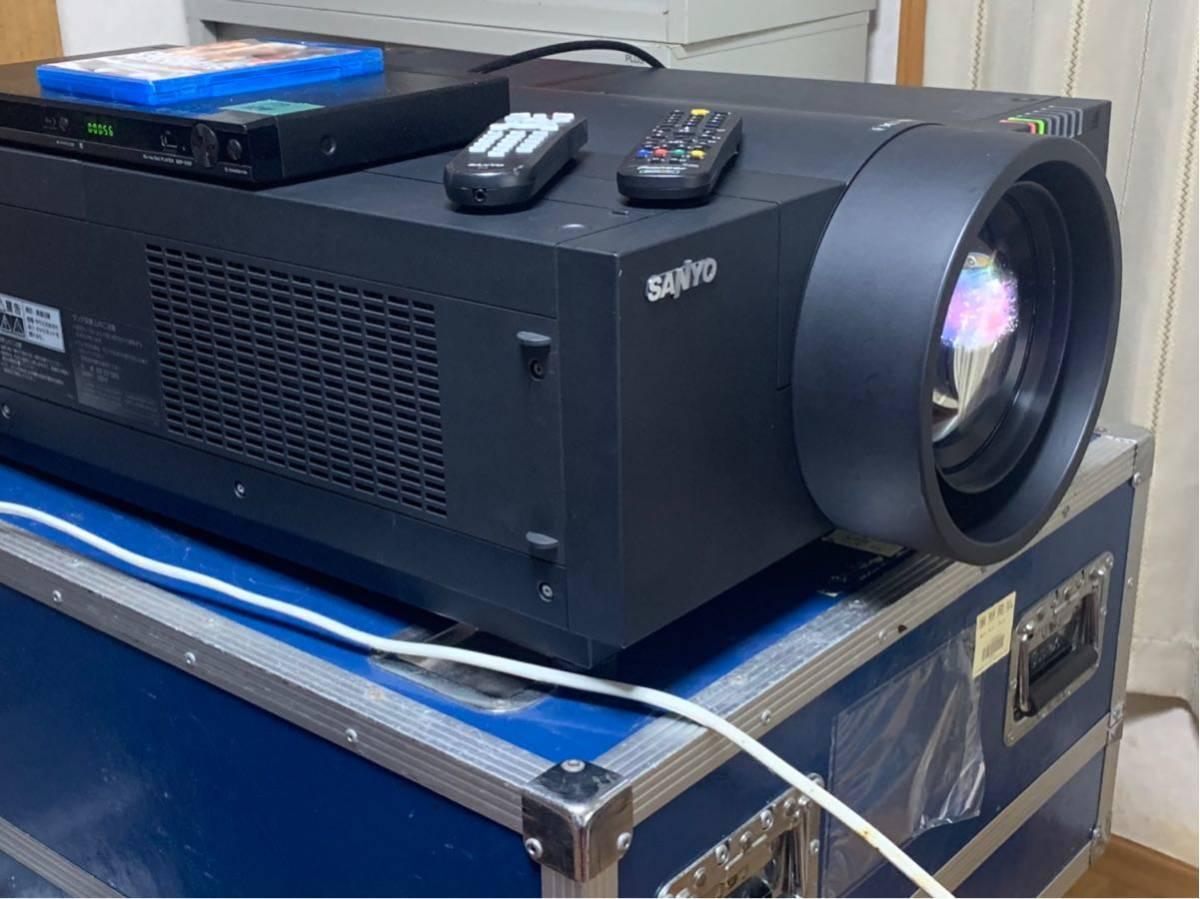 9000ルーメン プロジェクター SANYO LP-XF70 固定単焦点レンズ付き_画像4