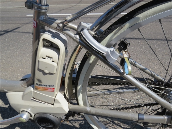 ★BRIDGESTONE ブリジストン 電動アシスト自転車 LIGHT 26インチ 3段変速付き 北海道岩見沢市引き取り限定_画像5