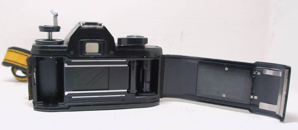 ☆綺麗な外観・送料無料・シャッターOK☆ ~フィルムレフ1眼レフカメラ(Fマウント)~ ニコン Nikon EM (A2019D0462) _画像5