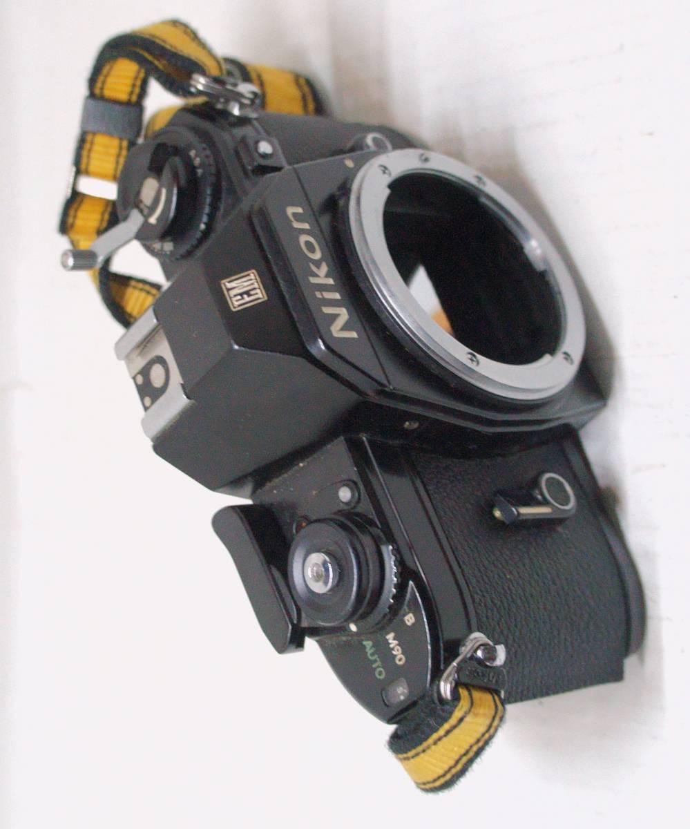 ☆綺麗な外観・送料無料・シャッターOK☆ ~フィルムレフ1眼レフカメラ(Fマウント)~ ニコン Nikon EM (A2019D0462) _画像2