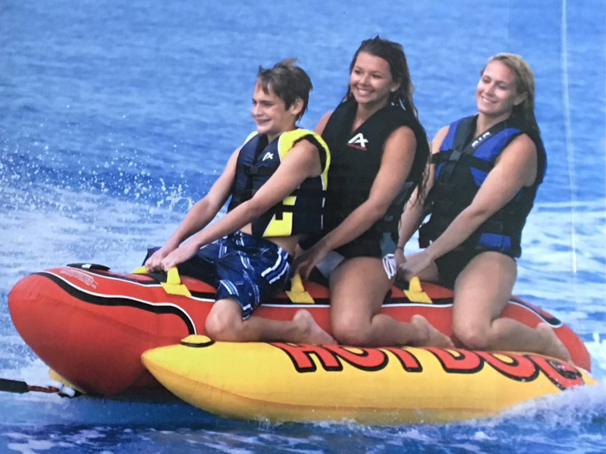 新品 AIRHEAD トーイングチューブ HOT DOG ロープ付 3人 乗り バナナボート マリンスポーツ 水上 スキー ジェット バイク_画像4