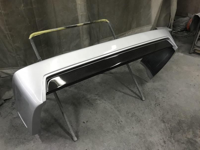 中古 200 ハイエース リア スムース バンパー ステップ レス  カーボン 1E7 シルバー 標準