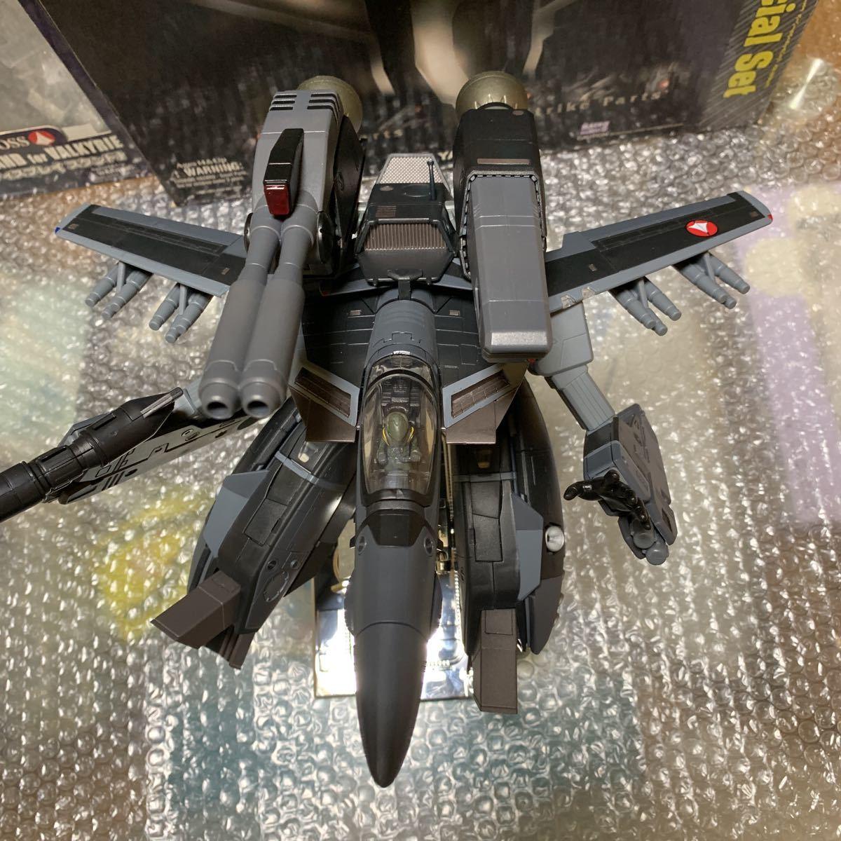 極美品 希少 やまと YAMATO 完全変形 1/48 VF-1J with Super & Strike parts Stealth type VF-1J ステルスタイプ スーパー ストライク 付_画像2