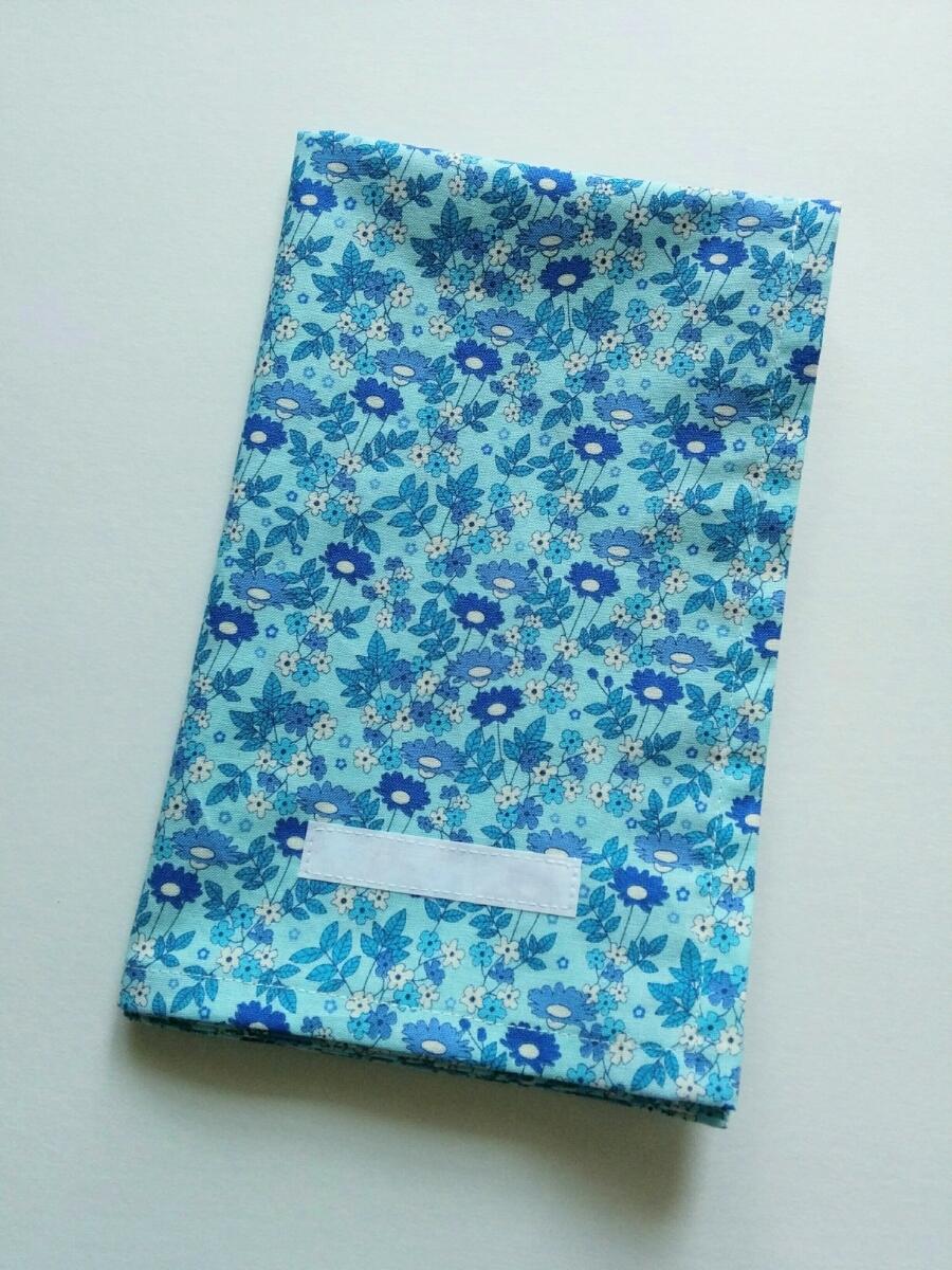 即決♪一枚仕立て ネームタグ付き 可愛いお花 青 水色 40×50 大判 ランチョンマット 給食ナフキン 給食マット*ハンドメイド*女の子_画像1