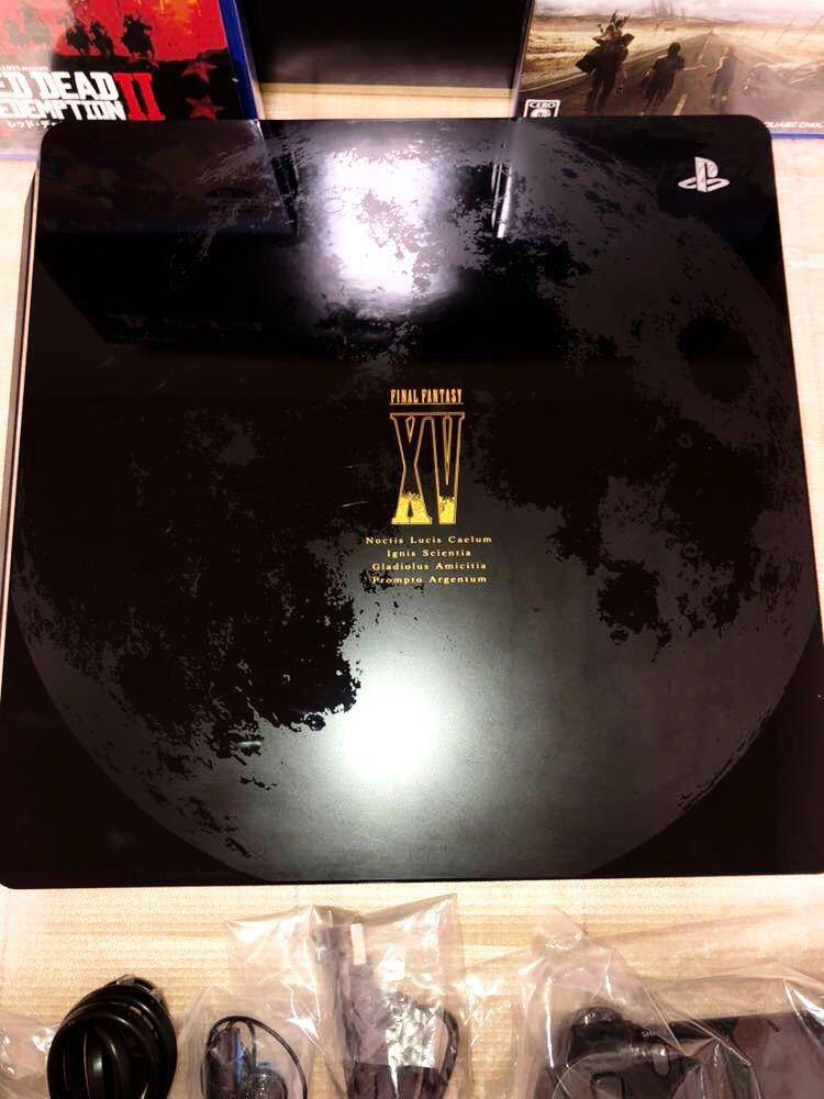 【中古美品】PS4 FINAL FANTASY XV LUNA EDITION +【初回新品】レッド・デッド・リデンプション2 【即決で送料無料】_画像5