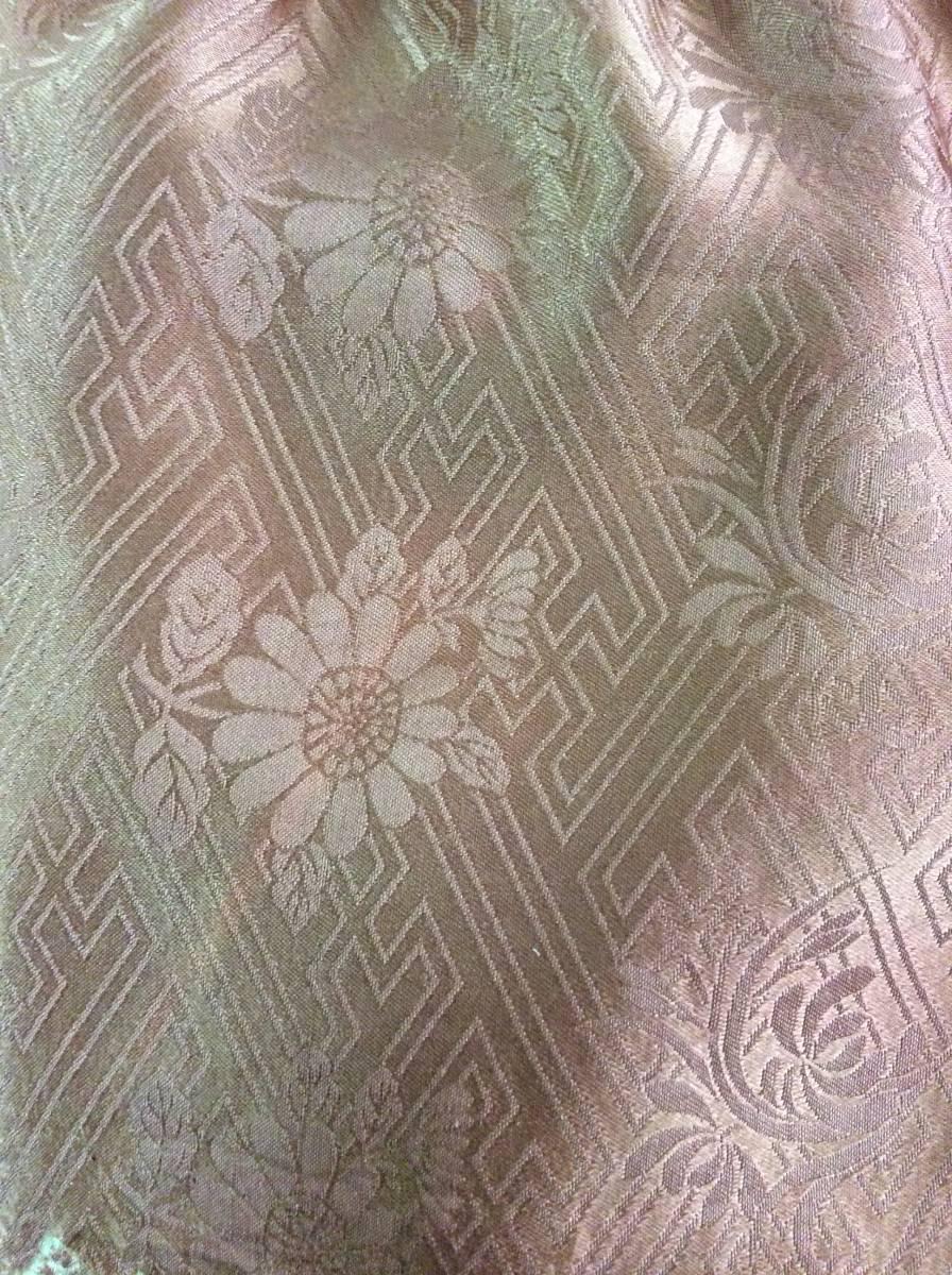 絞りのワンピース 着物リメイク 古布_向かって右脇薄いピンクの筋あり