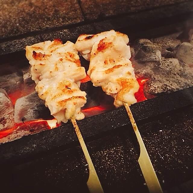 ◆◇国産!!北海道産焼き鳥の最高素材!!僅かしか取れない 新鮮!! 肉付ヤゲン軟骨!! 1kg 焼肉/BBQなどに 北海道 希少部位 やげん◆◇_北海道産の若鶏肉付きヤゲン