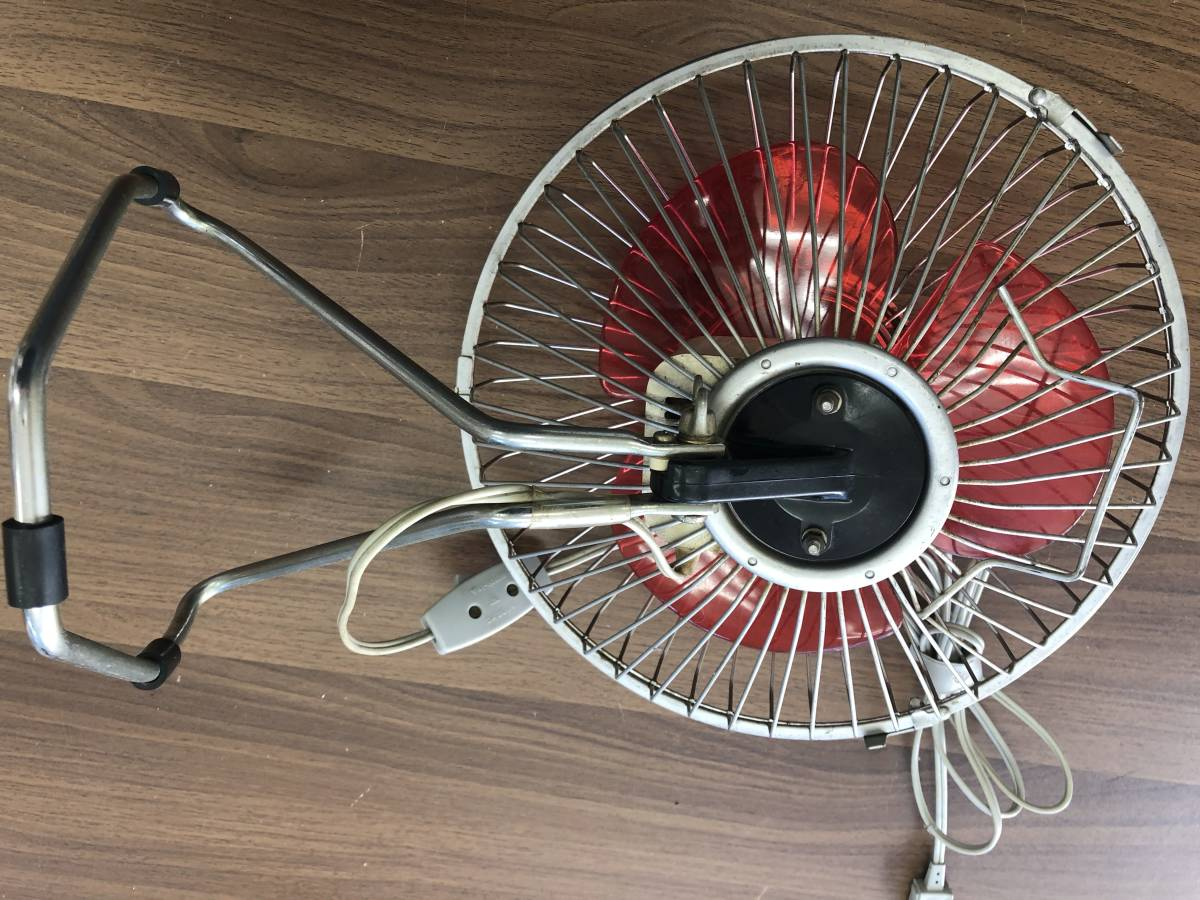 レトロポップ 赤 可愛い 三枚スタンド扇風機 動作確認済み 稀少 アンティーク 日立製作所 D-448 昭和レトロ 34cm_画像3