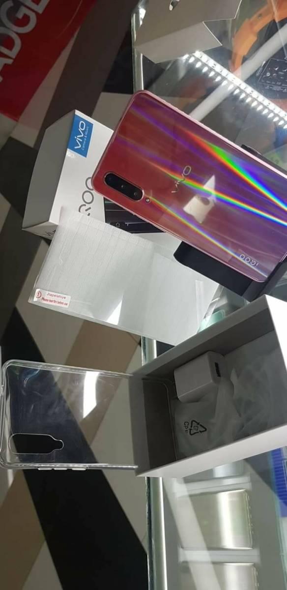 1円スタート 海外SIMフリー Vivo iQOO Gaming Phone Mocha red 日本未発売 日本発送 レッド スマホ 携帯 赤 最新 激安 _画像4