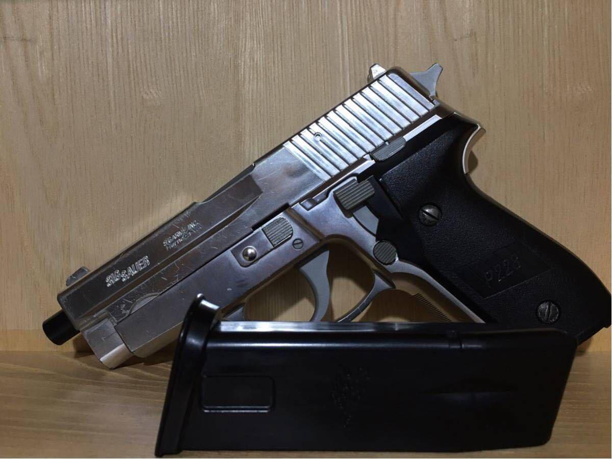 まとめ売り 2丁 東京マルイ コルト M1911A1 カスタム品 リアル塗装 スライドストップ加工 SIG P226 シルバーモデル 18歳以上 作動確認済み_画像2