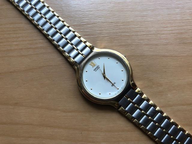 KK518 稀少 レア ヴィンテージ SEIKO/セイコー SX コンビ×ホワイト系文字盤 刻印入純正ブレス V701-6K00 クオーツ メンズ 腕時計_画像1