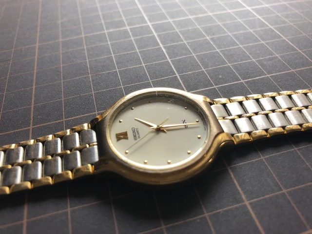 KK518 稀少 レア ヴィンテージ SEIKO/セイコー SX コンビ×ホワイト系文字盤 刻印入純正ブレス V701-6K00 クオーツ メンズ 腕時計_画像5