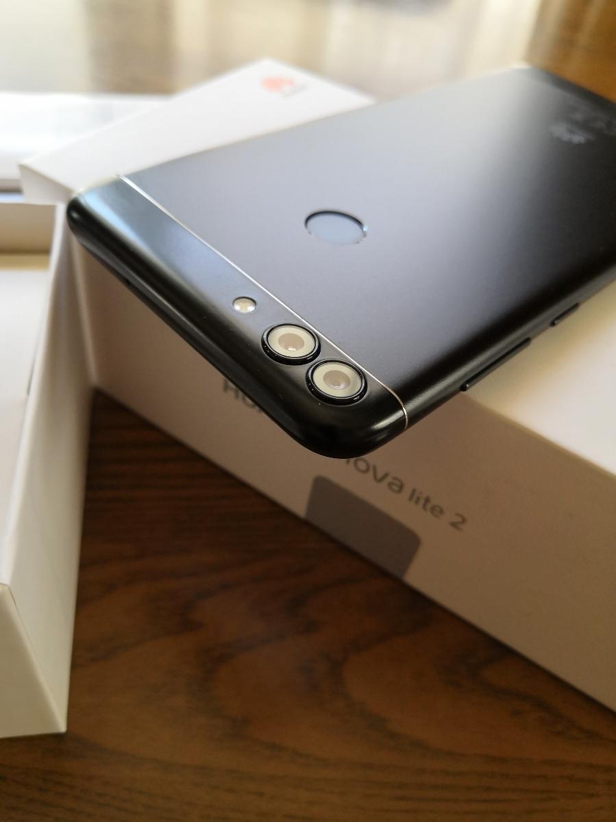 [美品] Huawei(ファーウェイ) nova lite 2 Black 黒 FIG-LA1 国内版 SIMフリースマートフォン_画像4