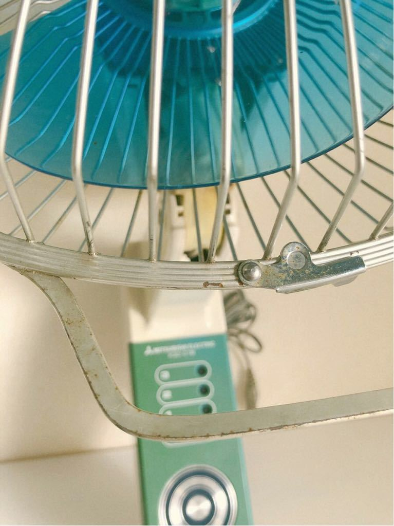 当時物 レトロ家電 MITSUBISHI K30-CTB 壁掛け扇風機 レトロ居酒屋 古民家_画像4