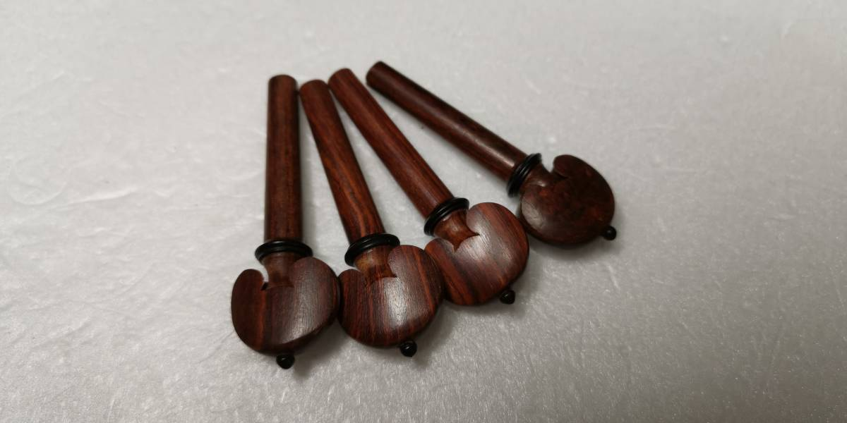 4/4バイオリンのローズウッド部品(ブラック飾り)とゴールドアジャスター4本付きのフルセットです!_画像2