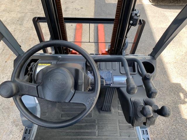 トヨタ 中古フォークリフト 2.5t ガソリン 4mハイマスト 8FG25 _画像5