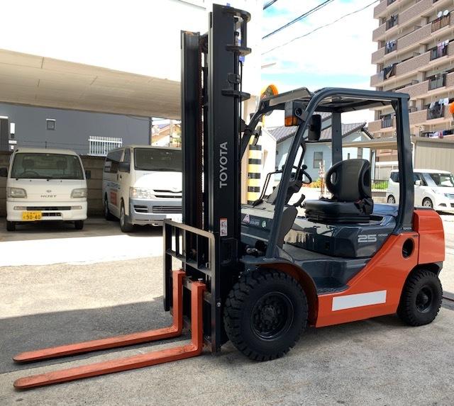 トヨタ 中古フォークリフト 2.5t ガソリン 4mハイマスト 8FG25