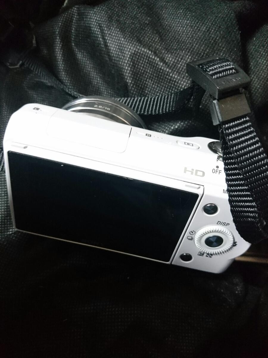 SONY 一眼デジタルカメラ α NEX-3 レンズ付き ジャンク 送料無料_画像3