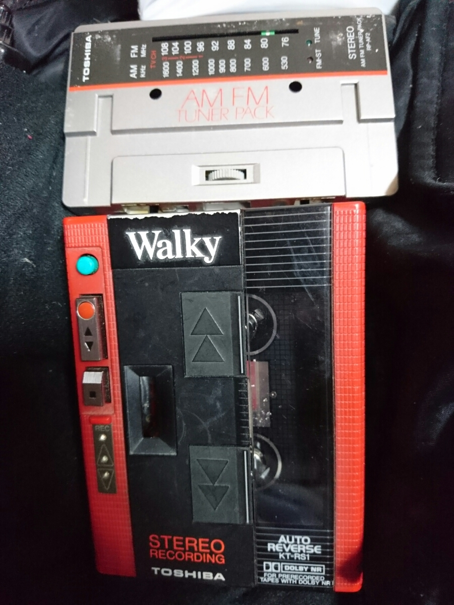 TOSHIBA Walky カセットプレーヤー KT-RS1 レッド ジャンク 送料無料_画像1