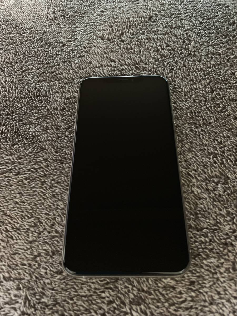 美品 iPhone XS Max 256GB シルバー SIMフリー_画像2
